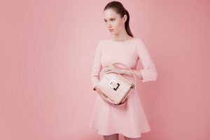 Total pink shooting collezione donna borsa Roger Vivier